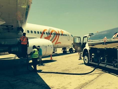 Avião da Gol sendo abastecido em Orlando (crédito: divulgação)