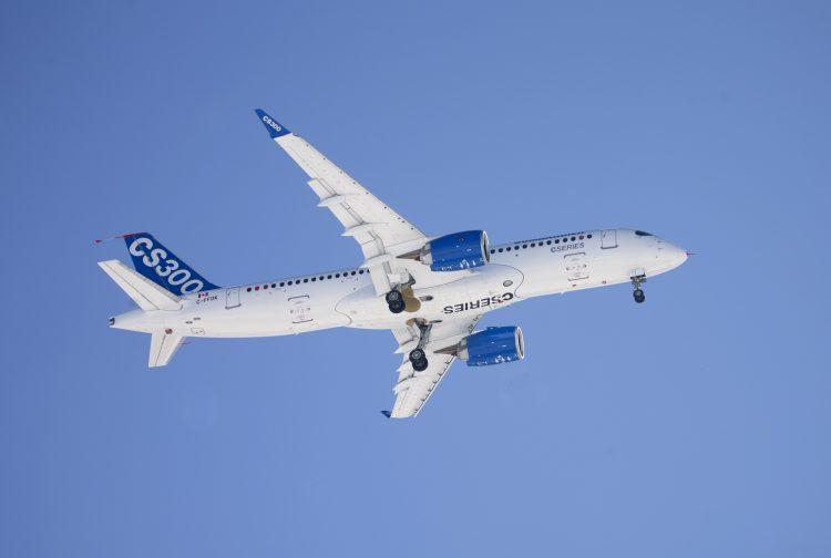 O CS300, maior jato da Bombardier (Foto: Christinne Muschi/Reuters)