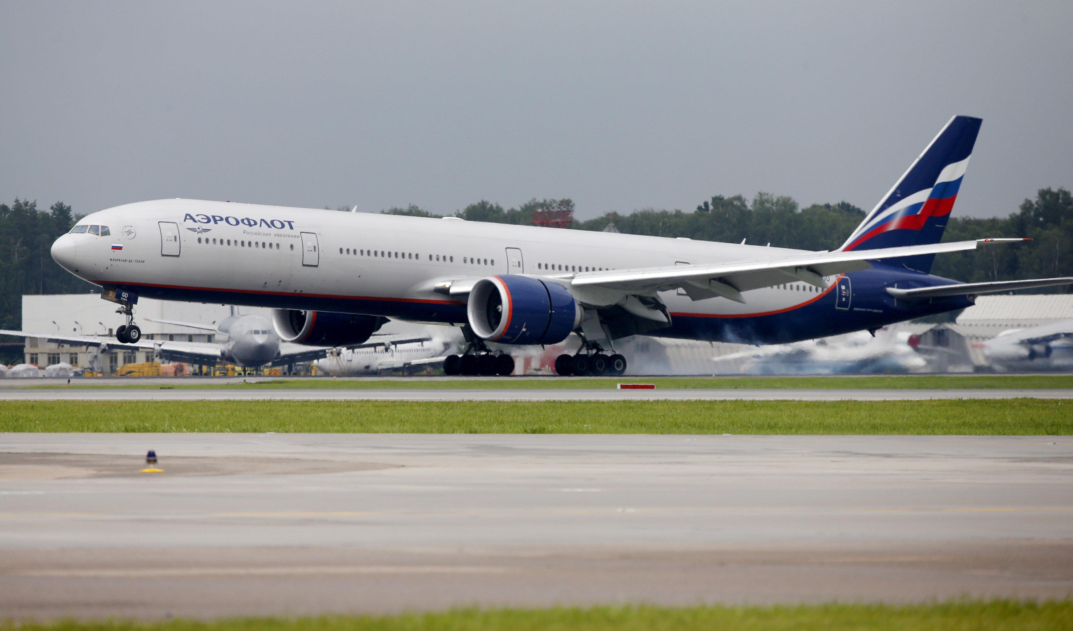Boeing 777-300ER da Aeroflot pousa no Sheremetyevo, em Moscou (Foto: Maxim Shemetov/Reuters)