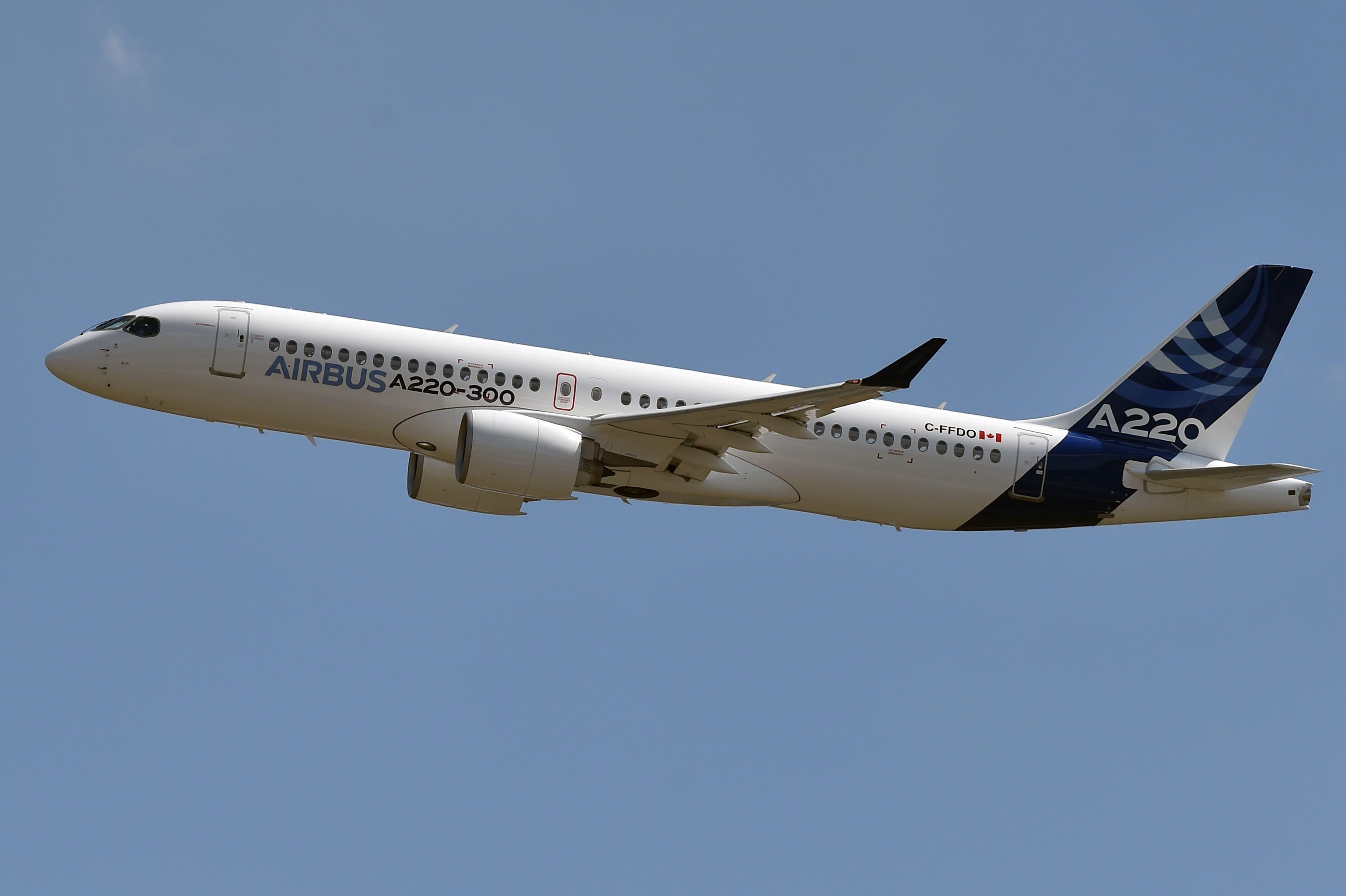 O Airbus A220, como serão chamados a partir de agora os jatos C-Series da Bombardier (Foto: Pascal Pavani/AFP)